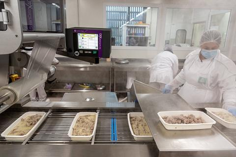 Coronavirus : les salariés de la restauration collective veulent sortir de l'ombre
